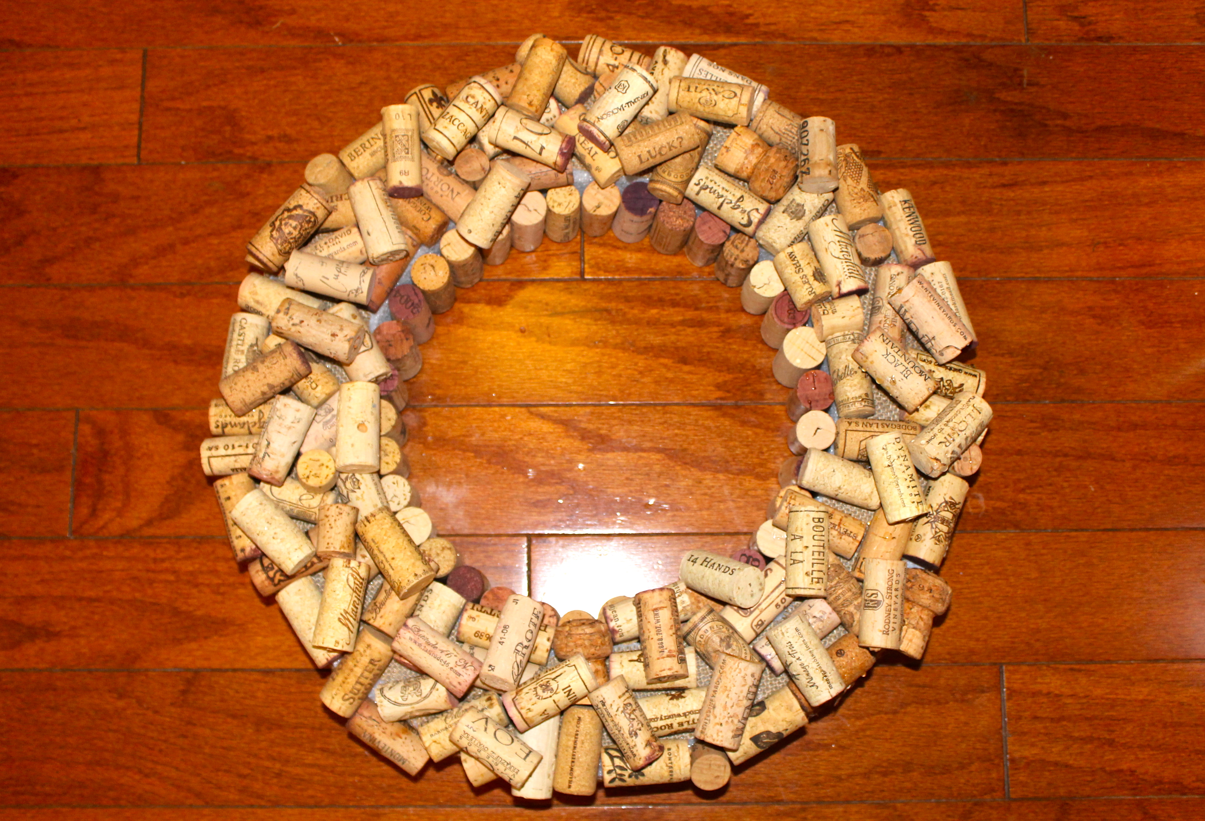 how to cut corks easily
